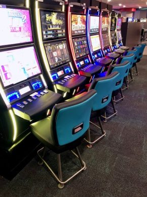 """Gary Platt Supplies Chairs for Kentucky Downs Gaming as Part of """"Extreme Makeover"""""""